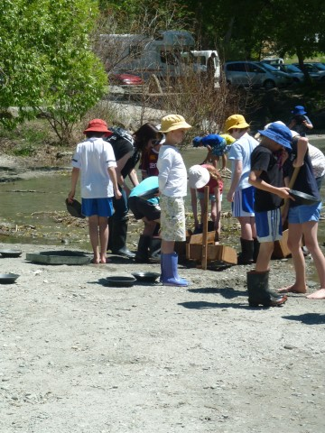 Arrowtown Year 5 & 6s get 'gold fever!!'